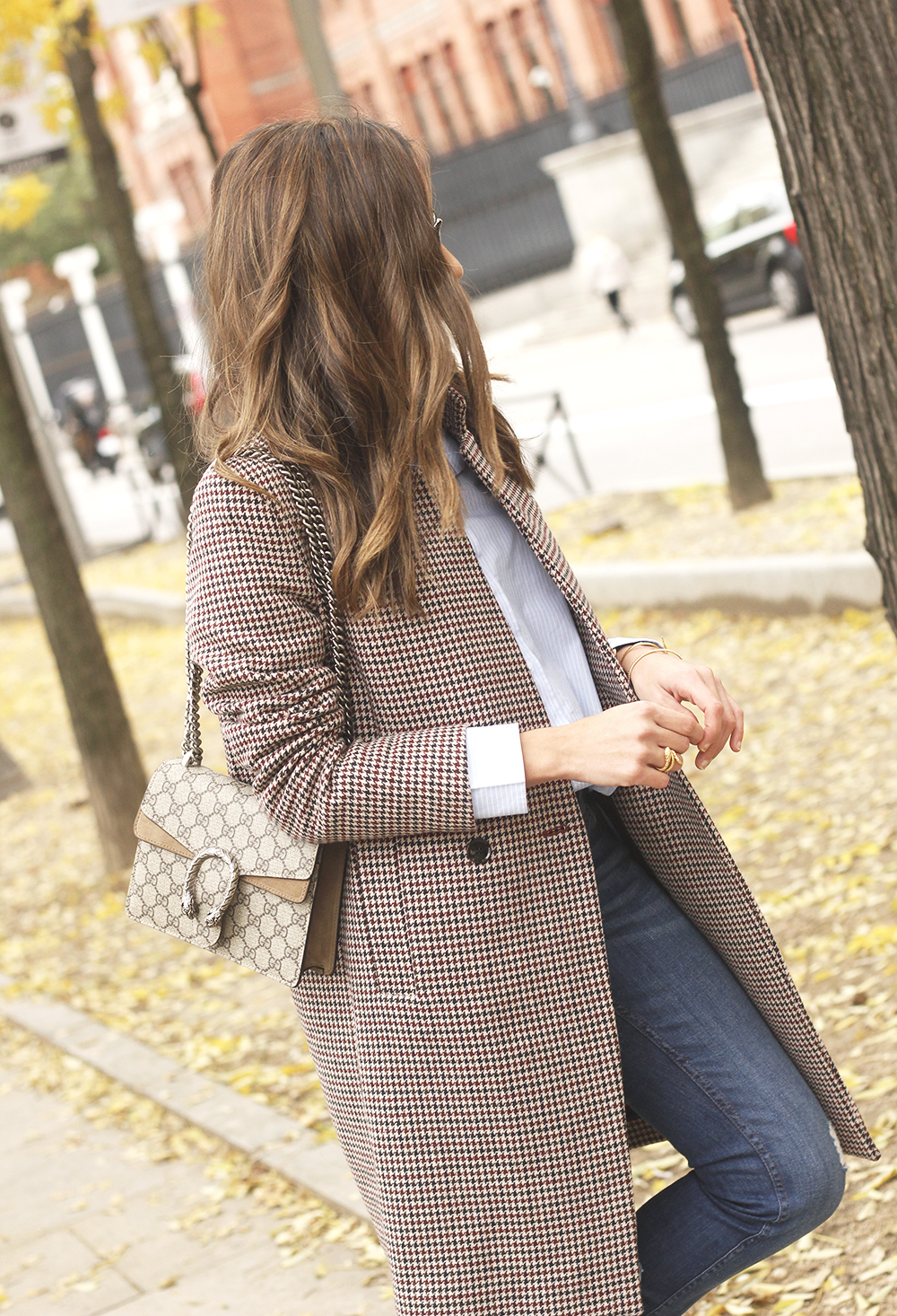 Houndstooth Coat striped shirt burgundy uterqüe heels gucci bag outfit style fashion11
