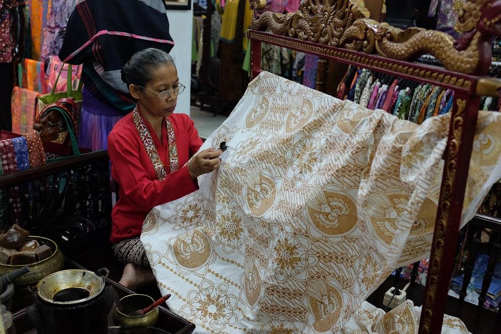 Batik, an Indonesian tranditional clothes #batik #jogja #terfujilah #fujifilm