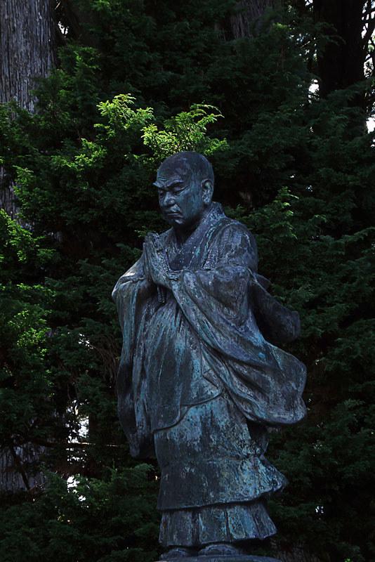 身延町 久遠寺 奥の院 日蓮像
