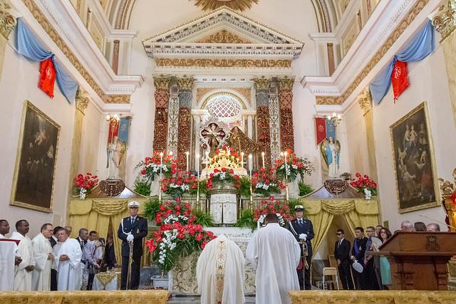 La santa messa della domenica - The holy mass of Sunday © giuseppepipia.com