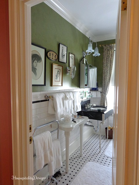 The Charlotte Inn - Vintage Bathroom - Housepitality Designs