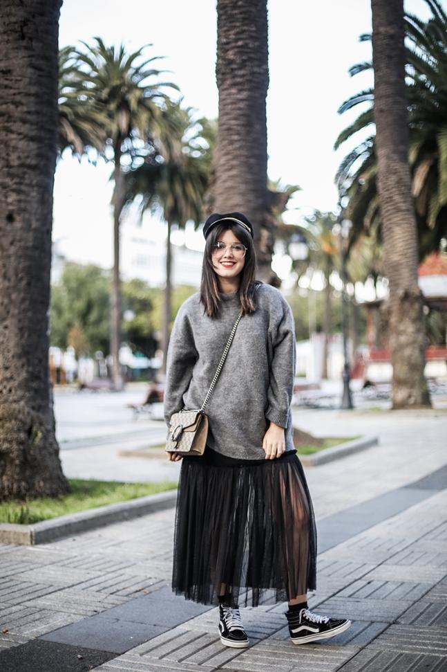 tulle-dress-zara-oversize-sweater-vans-fishnets-myblueberrynightsblog-streetstyle4