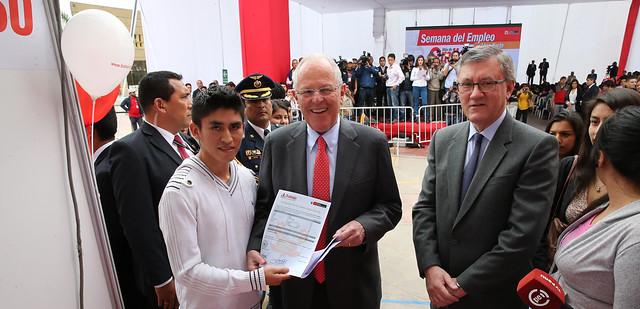 17.10.2016 Presidente Kuczynski y ministro Grados inauguraron la Semana del Empleo en Lima Norte.