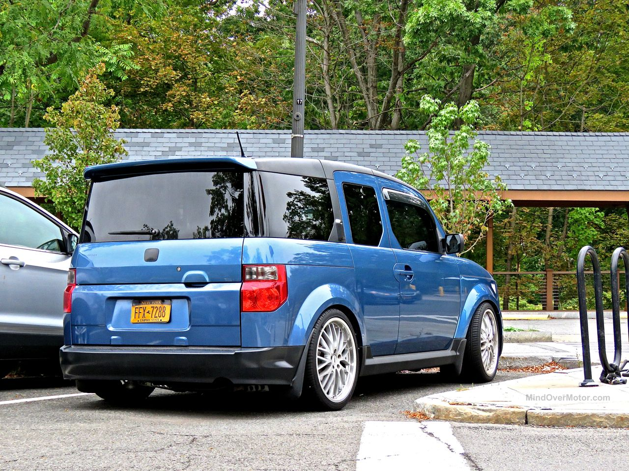 Slammed Honda Element 2