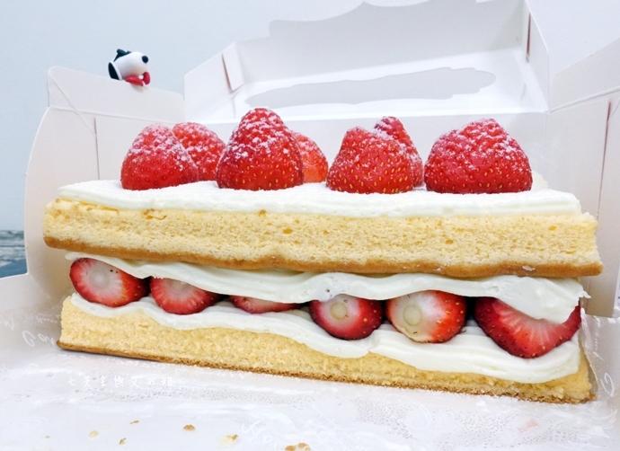 3 士林宣原烘焙蛋糕專賣店-雙層草莓蛋糕一開訂即秒殺爆單的超人氣限定美食!