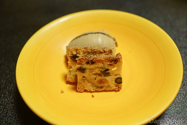 Brown sugar and roasted green tea ice cream with persimmon cake