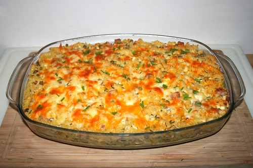 58 - Gratinated ham noodles with peas & feta - Finished baking / Gratinierte Schinkennudeln mit Erbsen & Schafskäse - Fertig-gebacken