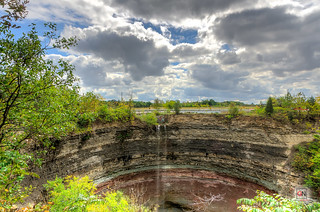 Devil's Punch Bowl, Hamilton