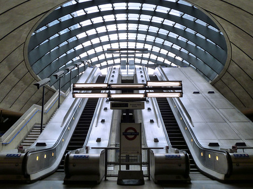 London, Canary Wharf tube station | by andtor