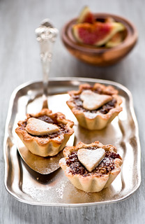 tarts with dry figs | by The Little Squirrel