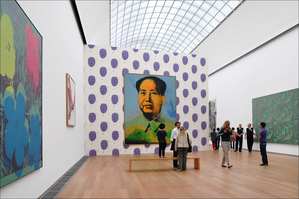 Mao de Warhol dans le musée d'art contemporain Hamburger Bahnhof de Berlin. Photo de Jean-Pierre Dalbéra.