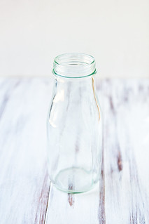 DIY Photo Props: Milk Bottles | by TheBrewer&TheBaker