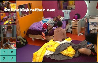 BB13-C1-8-8-2011-2_32_42.jpg | by onlinebigbrother.com