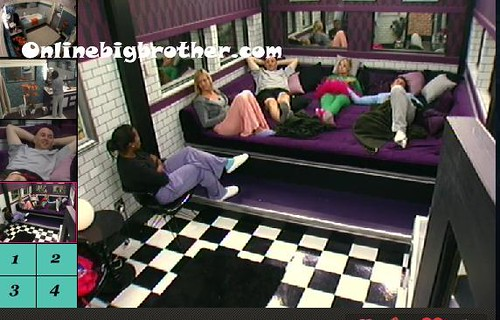 BB13-C4-8-18-2011-1_49_16.jpg | by onlinebigbrother.com