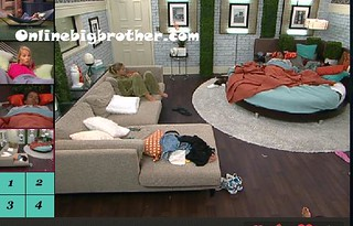 BB13-C4-8-9-2011-12_23_38.jpg | by onlinebigbrother.com