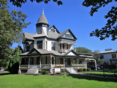 Grand victorian house saratoga springs new york paul for New victorian homes