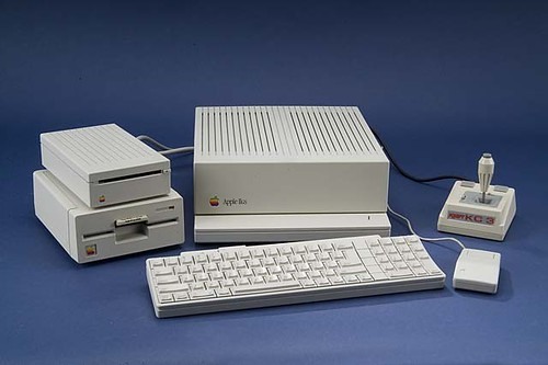 Apple IIGS computer, made 1986-1992 | by national museum of american history