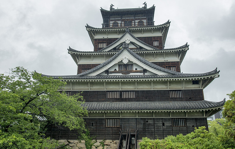 Hiroshima Castle in the rain