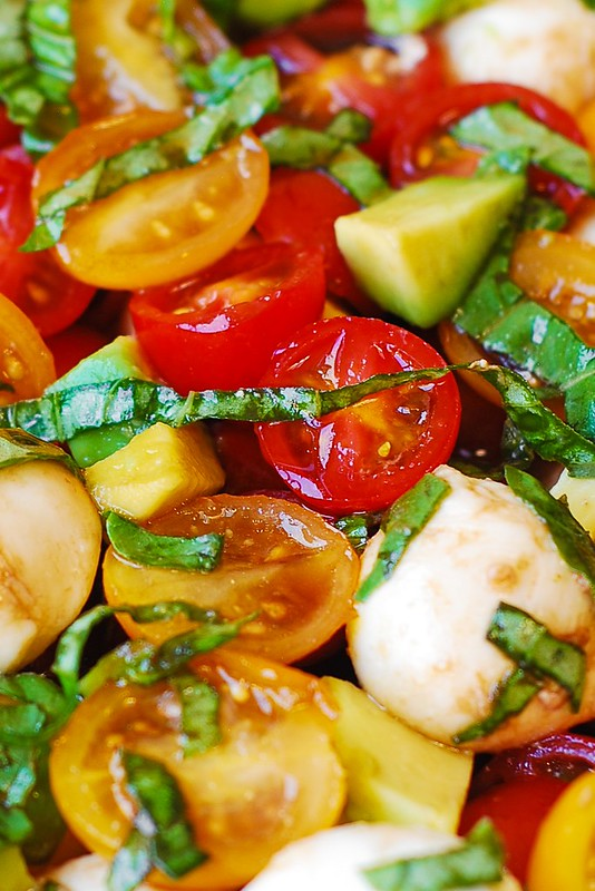 how to make tomato basil balsamic vinegar