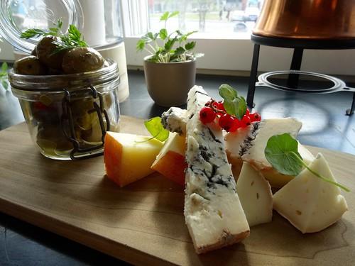 Heerlijk kaasplankje bij café Klaus!