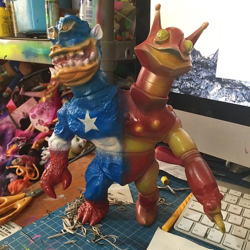 #civilwars #customs #iroman #capitanamerica #sofubi #japan #madeinjapan #customs #softvinyltoy #mexico #frankmysterio #elegab #forsale