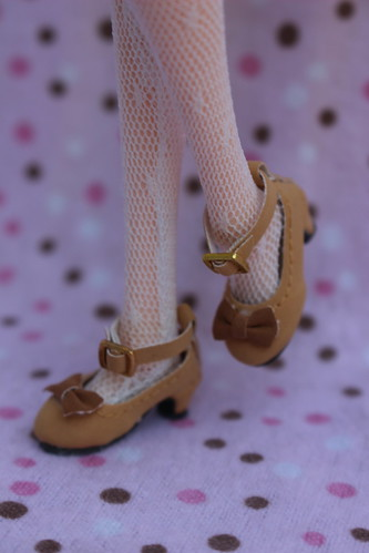 Close up of Cassie's cute shoes!