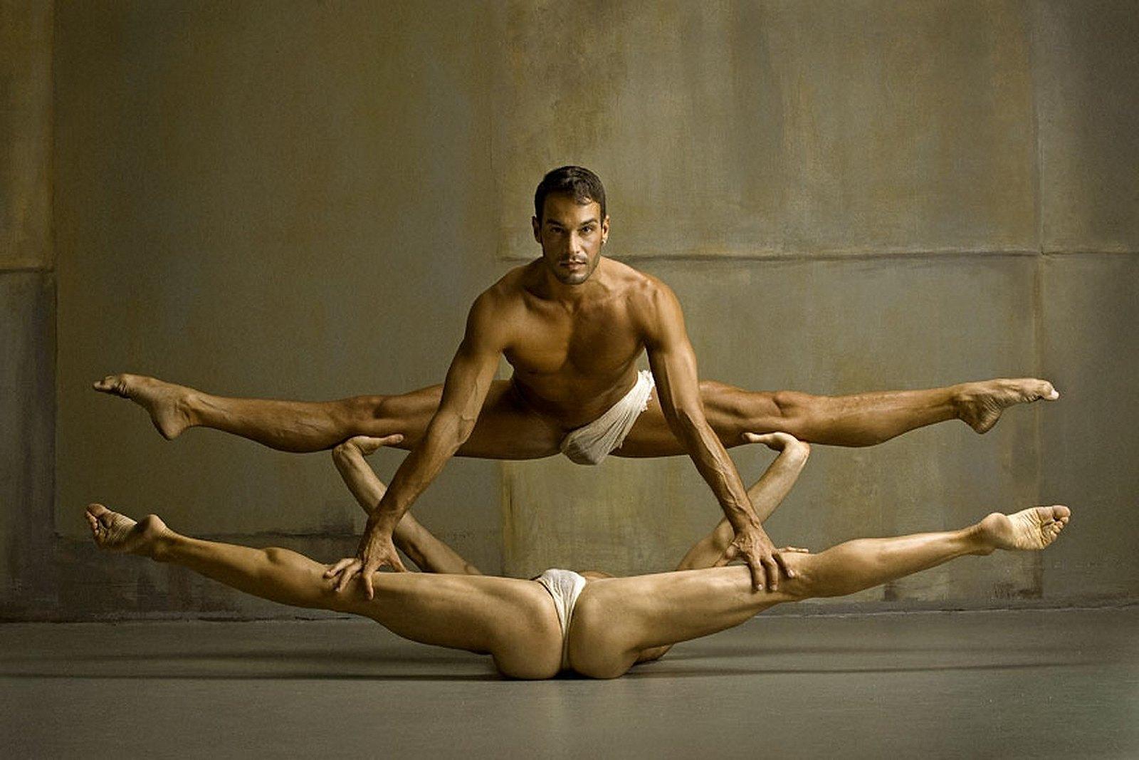 Голые мужчины гимнасты фото