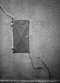 Wall with lockbox and crack (8 May 12) | by ejbSF