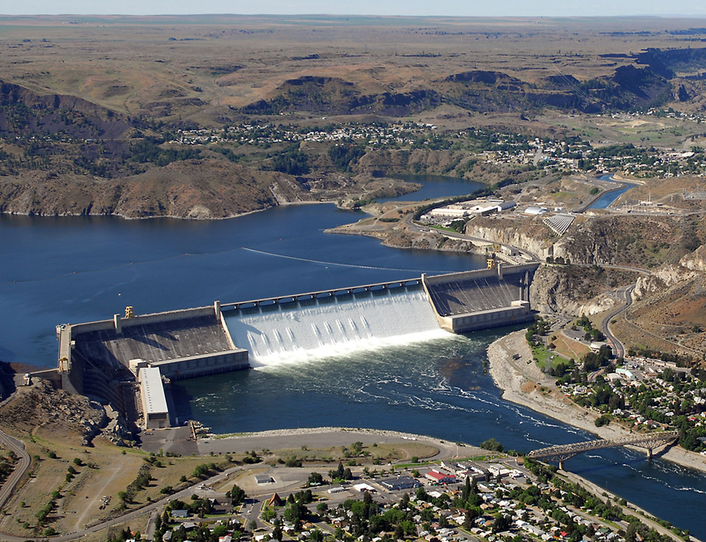 Grand Coulee Dam areil view