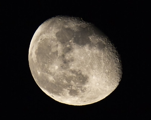 Waning Gibbous, 86% of Full | by x-ray tech