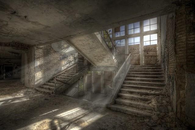 Light in emptyness....