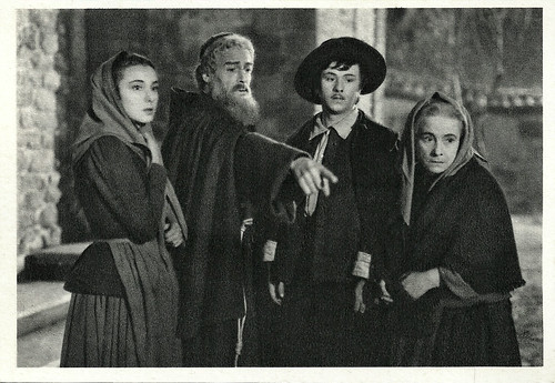Gino Cervi and Dina Sassoli in I promessi sposi (1941)