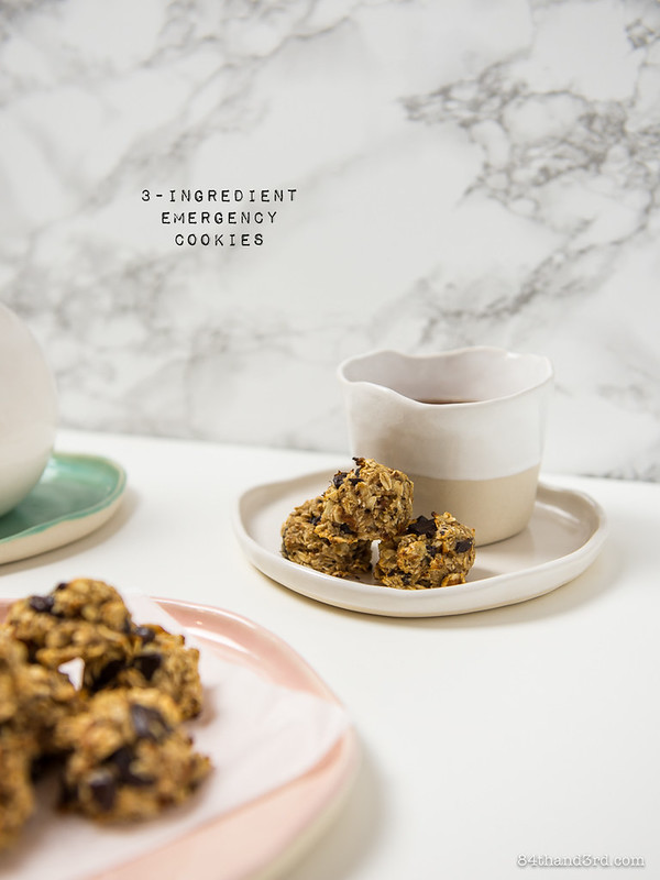 3-Ingredient Oatmeal Chocolate Chip Emergency Cookies