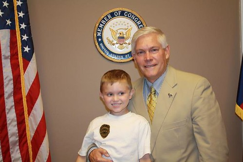 Congressman Sessions with Carter Townes during his visit with Children's Medical Center of Dallas | by Congressman Pete Sessions