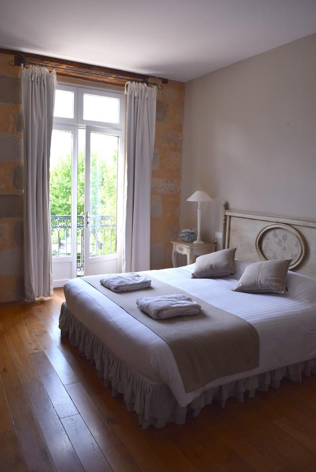 Bedroom at Hostellerie de L'Imaginaire, Terrasson | www.rachelphipps.com @rachelphipps