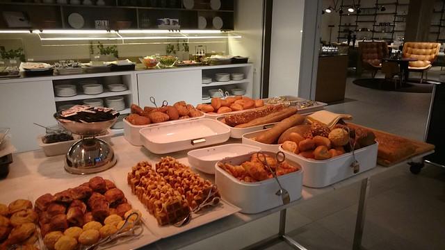 wyndham grand frankfurt breakfast