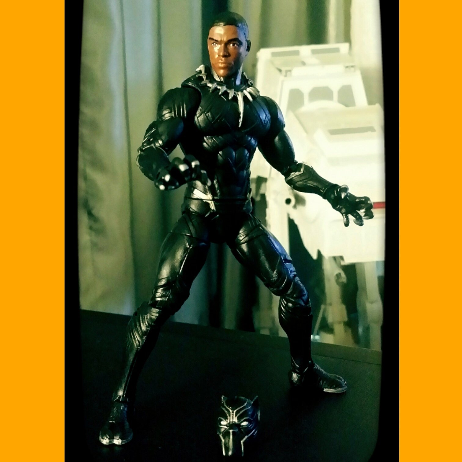 Only my THIRD #marvellegends #blackpanther #sixinchscale #actionfigure in my collection. Do I even need another one then? ....#heckyeah ...this movie version rocks! The headsculpt is pretty awesome too. #hasbro #avengers #captainamericacivilwar #movie