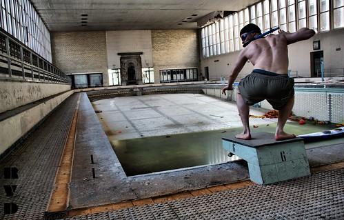 Urbex piscine le crachoir belgique flickr photo for Bruxelles piscine