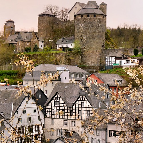 Monschau's landmark remained alive | by B℮n