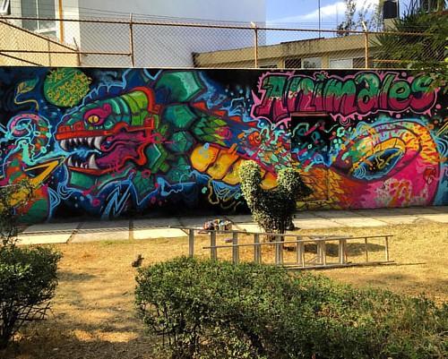 #animal #apc #animalpower #animalcosmico #frankmysterio #arte #arteurbano #grafitty #family #aerosol #360 #ilegalsquadmx #paint #Quetzalcóatl #sabadogigante #chelas #quecalor #mural #streetartchilango #copilco #sacandoelfua #fuaaa pues sacando el fua