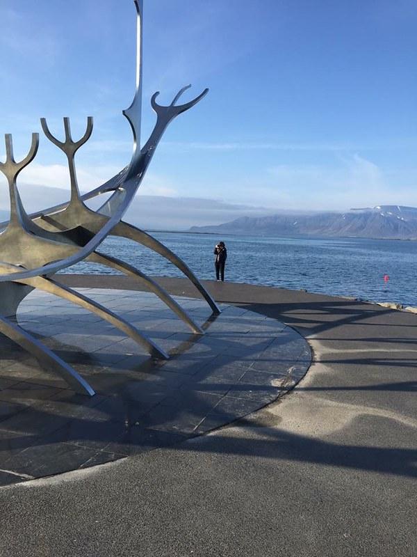 2/6 Reykjavik iPhone mama & oma