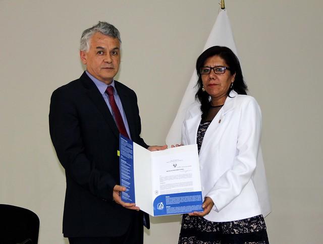 INDECOPI entregó título de patente al Instituto Nacional de Salud
