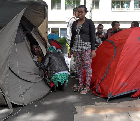 16f15 Refugiados Pidiendo asilo refugio_0038 variante 1 Uti 465