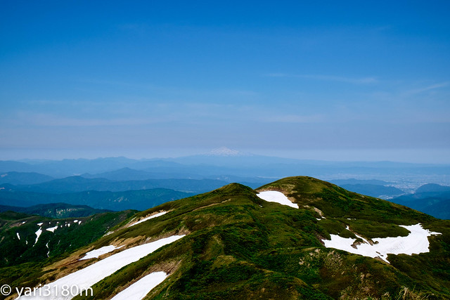 焼石岳からみる鳥海山