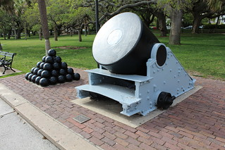 Charleston - White Point Garden: Thirteen-inch mortar