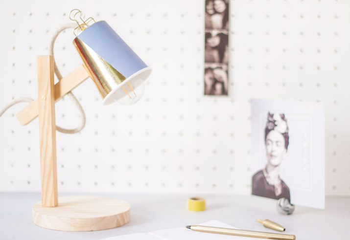 DIY Wood Lamp · DIY lámpara de madera · Fábrica de Imaginación