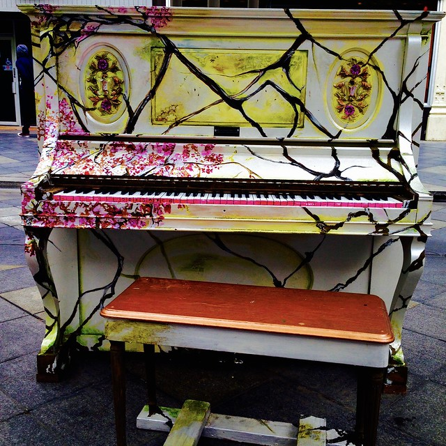 Elegant Street Piano - I tinkled with it