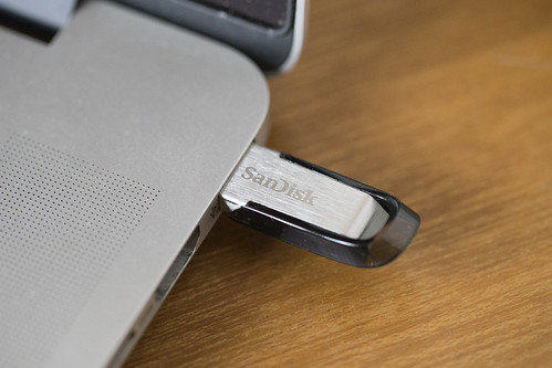 SANDISK ULTRA FLAIR USB 3.0 FLASH DRIVE_04