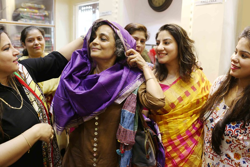 Netherfield Ball – Novelist Arundhati Roy Stuns the Society by Inaugurating a Banarasi Saree Showroom, Chitli Qabar Bazaar