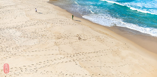 Surfer tracks.